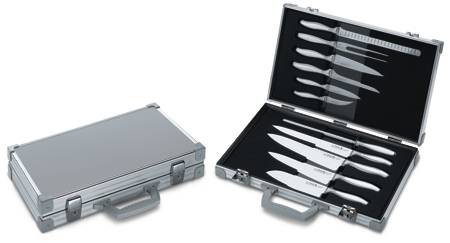 BRIEFCASE WITH STAINLESS KNIVES