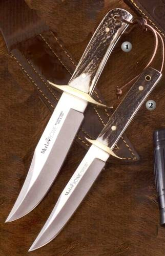 Muela Bowie Classic hunting knives.