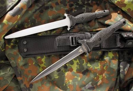 Extrema ratio knife has an efficient design for combat