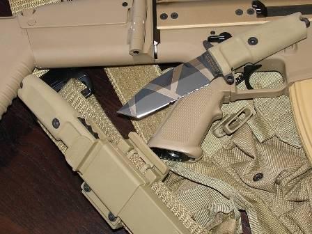 Fulcrum knife desert warfare of Extrema Ratio