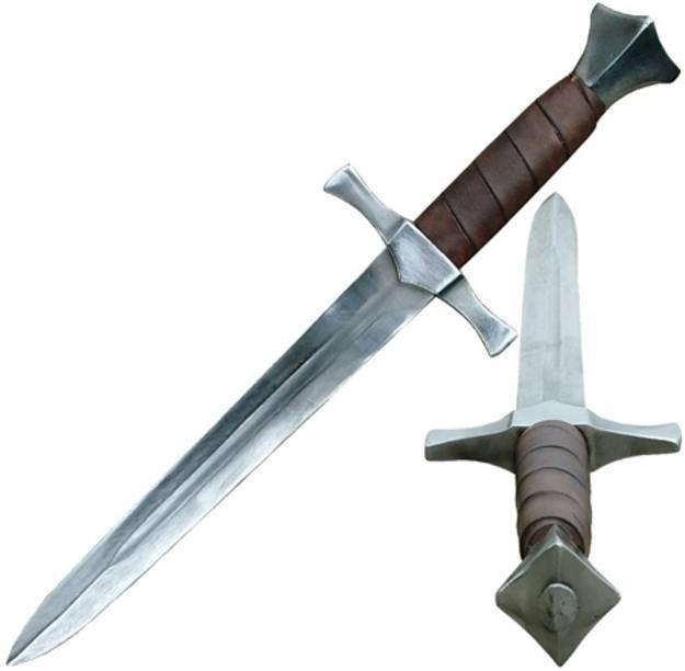 El trotamundos Njorvor toca la puerta de Bagarok 1434-historical-dagger