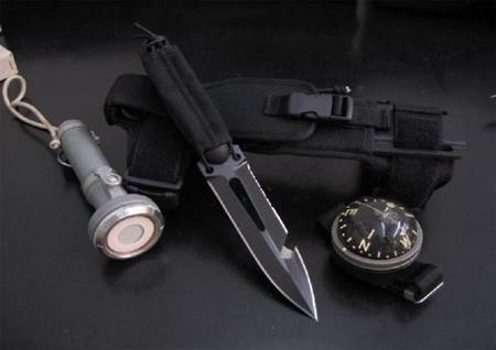 Scuba diving knives