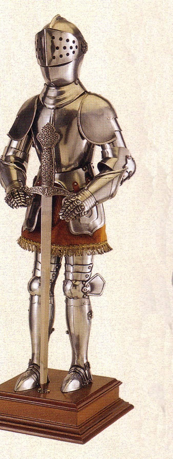 Armaduras medievales en miniatura