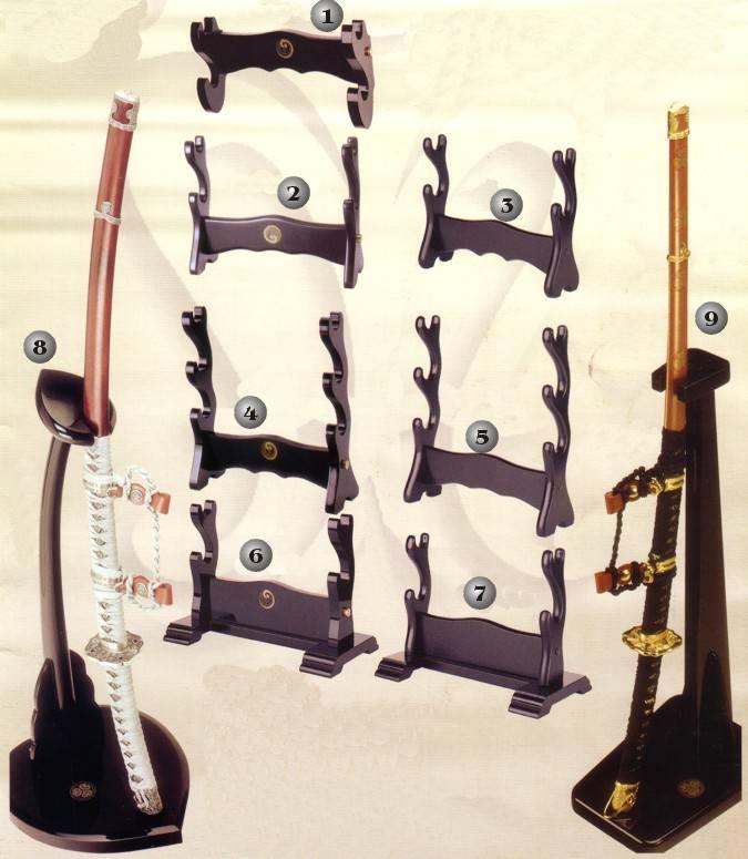Armeros, soportes y expositores para espadas