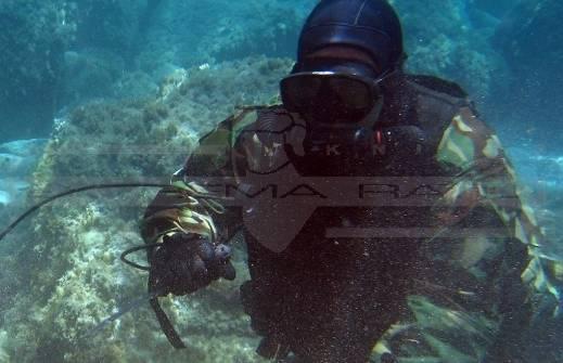 El cuchillo Ultramarine fue especialmente diseñado para actividades de submarinismo