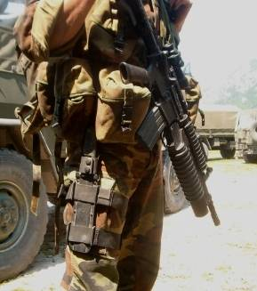 Las tropas Alpini incorporan el cuchillo Fulcrum en su equipo militar