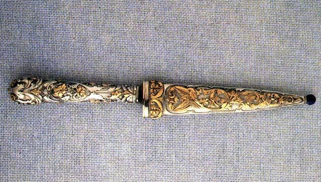 Cuchillo facón utilizado como arma de conbate