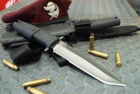 El cuchillo Col Moschin es una herramienta funcional y eficaz