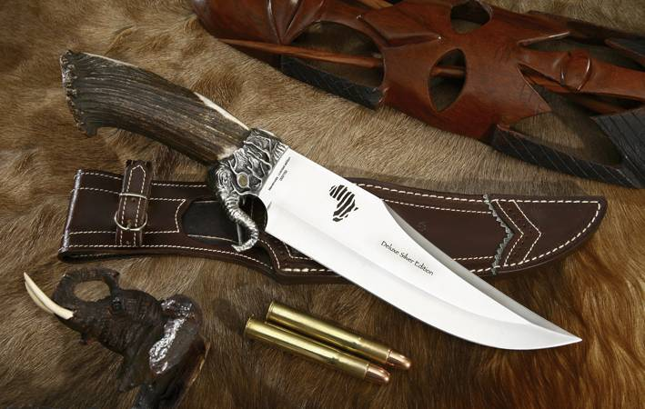 Elephant Muela Knife with original design and refined