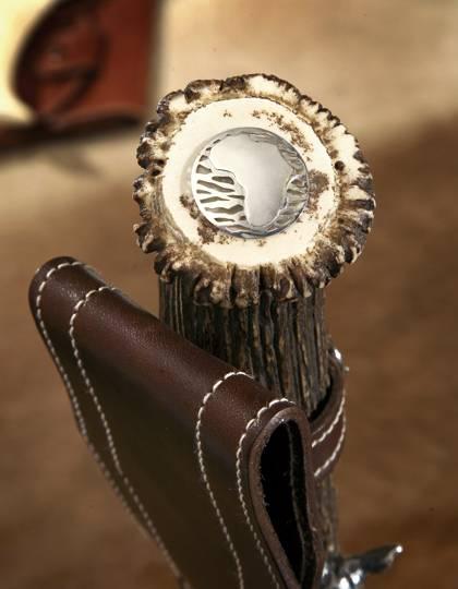 Roseta con pieza de plata grabada de los cuchillos Muela con mango de asta de ciervo