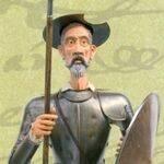 Armaduras de Don Quijote de pie y sentado