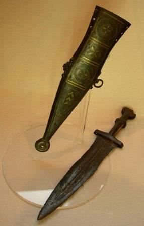 El puñal romano se usó a la par que la espada romana