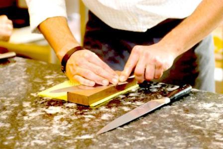 Las chairas o piedras de afilar son útiles para la tarea de afilado