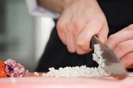 El cuchillo de cocina debe emplearse correctamente
