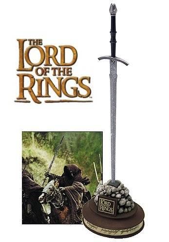 Miniatura de la espada Witchking de 'El Señor de los Anillos', puede utilizarse como abrecartas
