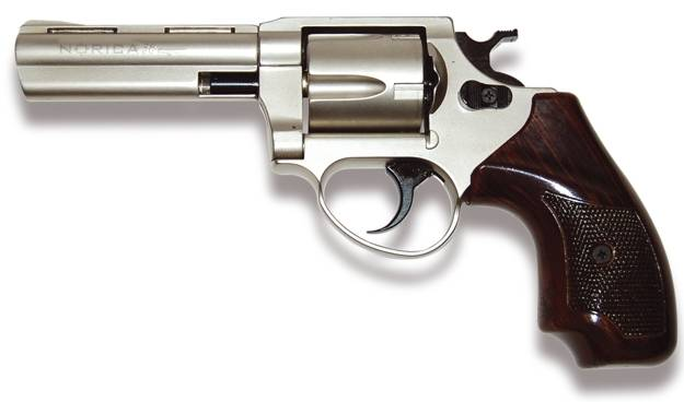 Este rev�lver permite disparar balas de 9 mm. y .380
